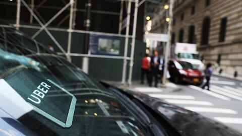El conductor del Uber tuvo que detenerse a media cuadra de la casa de la...