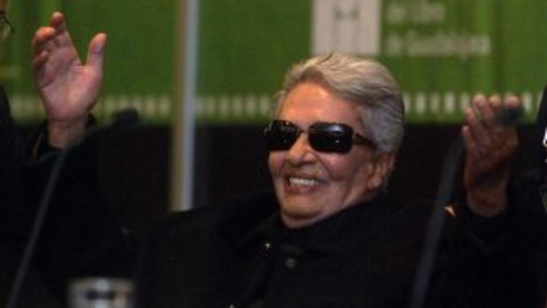 La cantante Chavela Vargas está hospitalizada desde el lunes. Se encuent...