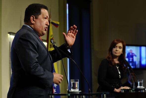 Con su visita a Argentina, Chávez comenzó su gira oficial...