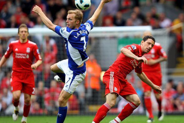 El jugador del Liverpool ha vuelto a ser tomado en cuenta entre el cuadr...