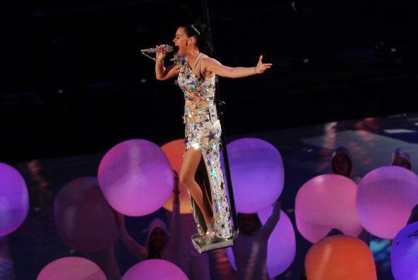 Explosivo, sensual y original, así se vieron Katy Perry, Lenny Kr...