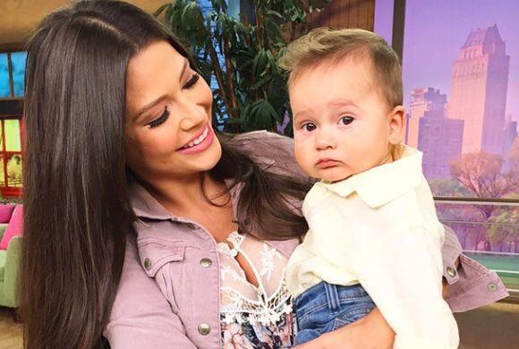 ¡Qué emoción! Ana luce muy bien de tía y ya queremos verla como mamá.