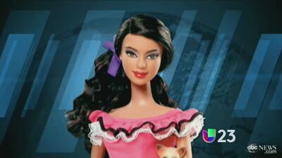 Gran controversia por la muñeca Barbie mexicana