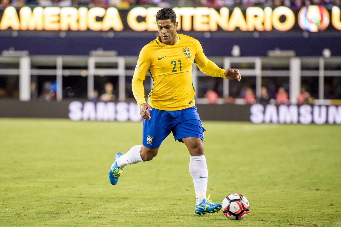 Futbolistas 'fuera de serie' por su presencia física GettyImages-5397652...
