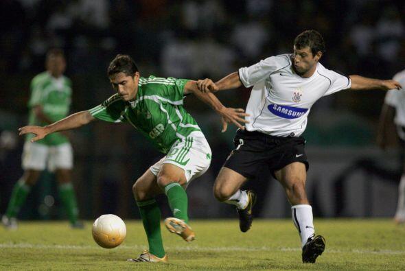 Javier Mascherano antes de partir al fútbol europeo también jugó en Bras...