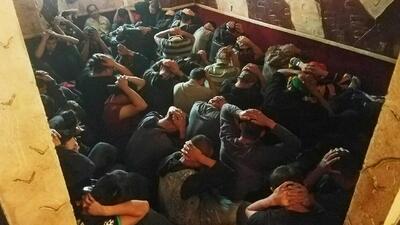 Encuentran a 56 indocumentados hacinados en una casa del sur de Texas