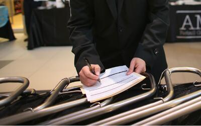 La firma, parte fundamental de cualquier trámite migratorio en EEUU