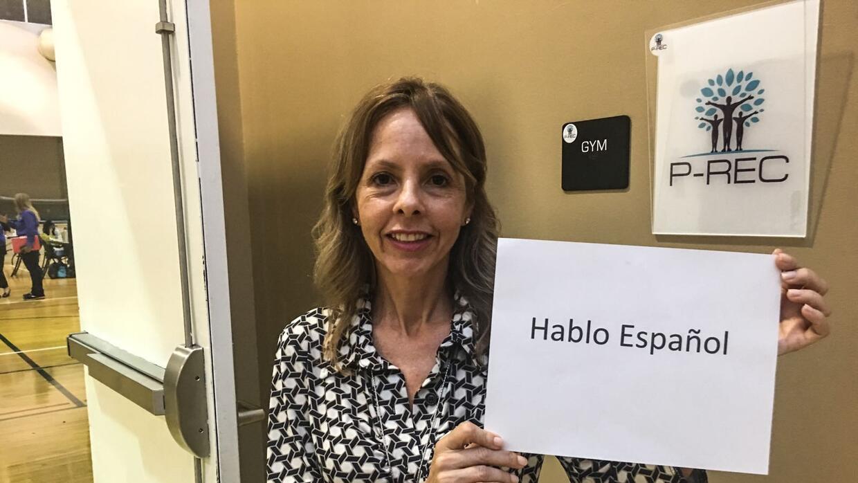 La venezolana Carmen decidió presentarse como voluntaria en los centros...