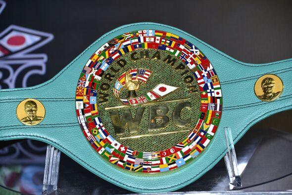 El Consejo Mundial de Boxeo, encabezado por Mauricio Sulaimán, presentó...