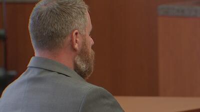 ¿Culpable o inocente?: un jurado de ocho hombres y cinco mujeres decide la suerte de Terry Thompson, acusado de matar a John Hernández