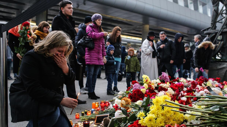 Memorial improvisado en San Petersburgo en honor a las víctimas