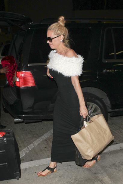 Vimos a la actriz en el LAX de Los Ángeles junto a su marido, pero más q...