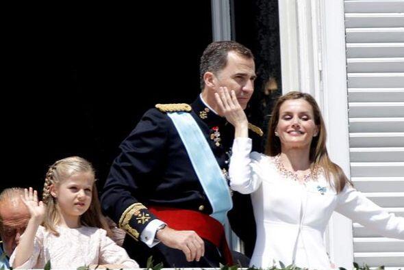 España estrena un nuevo rey en una jornada llena de gestos cómplices y f...