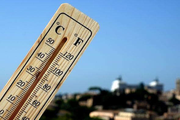 El golpe de calor es resultado de la exposición prolongada a altas tempe...
