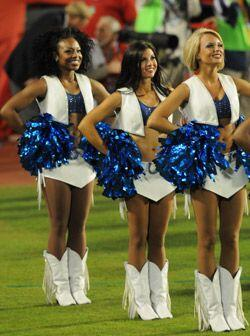 Y por supuesto sus cheerleaders estuvieron a la altura del acontecimiento.