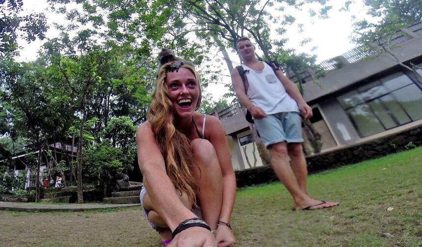 Un chango toma selfies