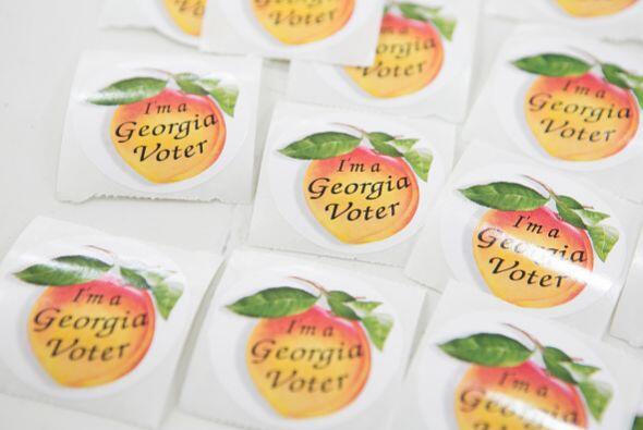 """Y mientras las pegatinas de """"I voted"""" con azul y rojo dominaron las elec..."""
