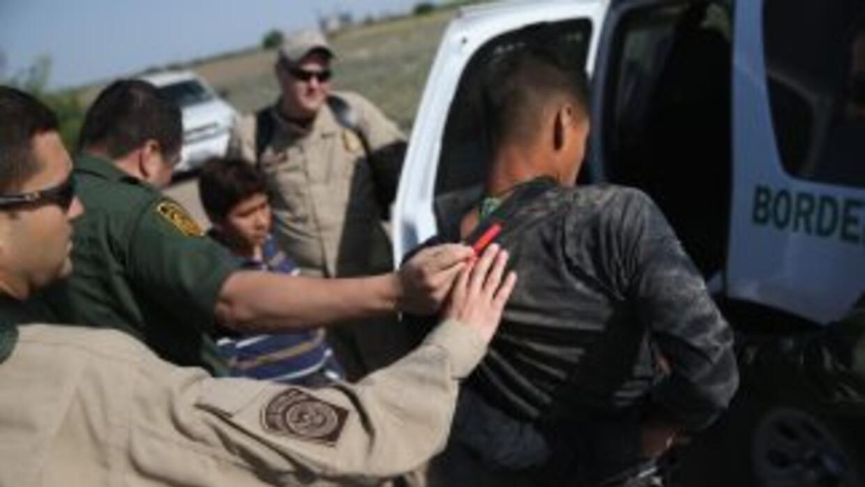 Más de la mitad de los 90 mil arrestados por la Patrulla Fronteriza en l...