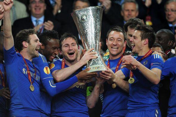 Lampard había dicho que, en caso de ganar la final, levantaría la copa j...