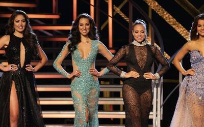 Glamour, belleza y elegancia, las chicas brillaron en el desfile de gala