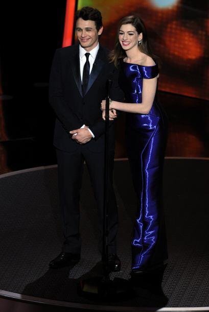 Para el 2011 Anne Hathaway y James Franco tomaron las riendas de la pres...