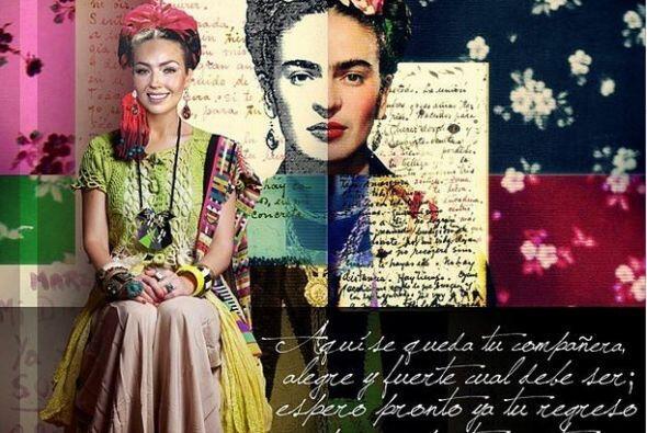 Thalía  Qué mejor manera de expresar el amor por México que portando la...