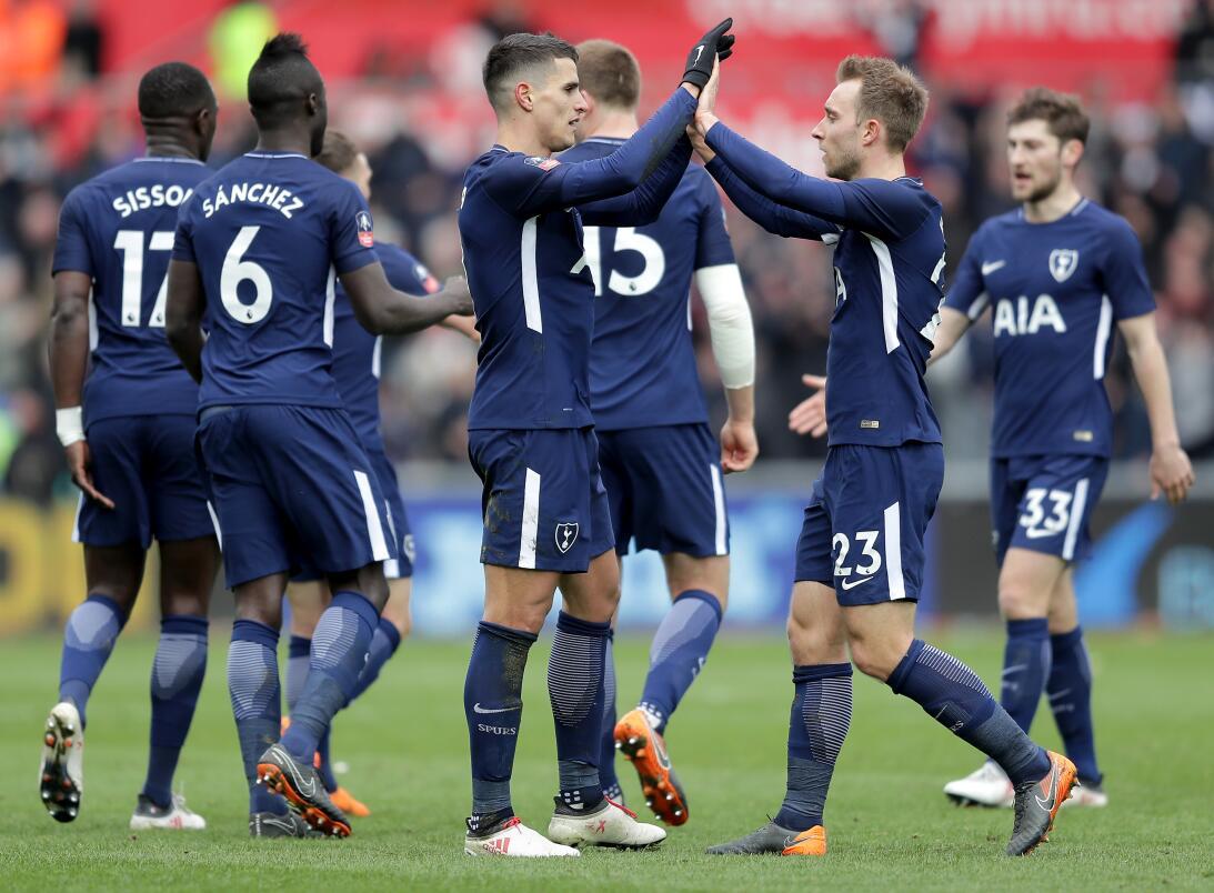 Manchester United y Tottenham avanzaron a semifinales de la F.A. Cup get...
