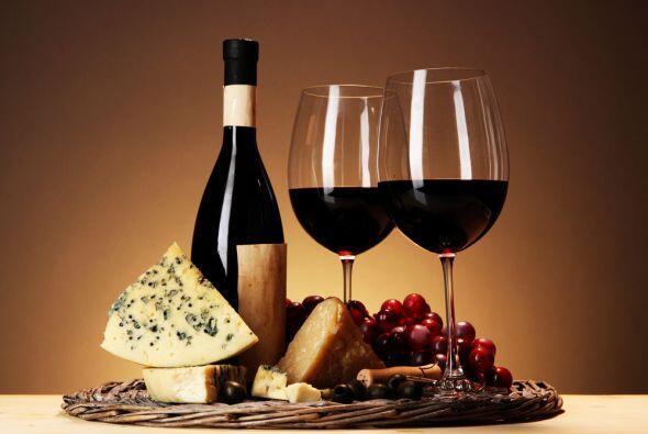 El beneficio de la bebida se encuentra en la cáscara de las uvas rojas q...
