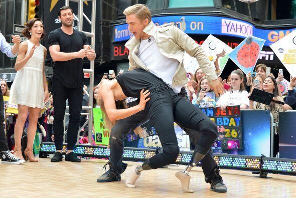Incluso se aventuró a formar parte de un concurso de baile que re transm...