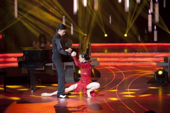 Un momento inolvidable es este, cuando la pareja bailó tango por primera...
