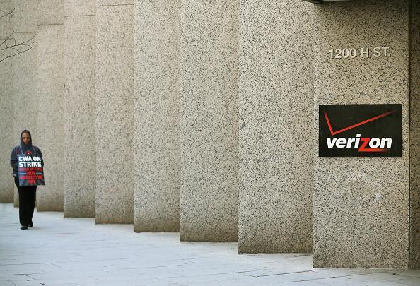 Sindicatos han advertido que 140 millones de clientes pudieran afectarse.