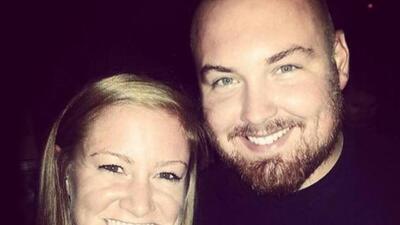Joel Burger y Ashley King.