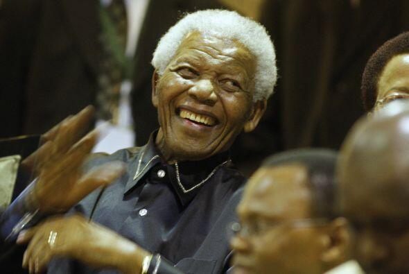 8 de junio de 2013: Es ingresado de nuevo en un hospital de Pretoria por...
