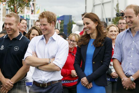 La duquesa de Cambridge no se podía quedar atrás,  también se hizo prese...