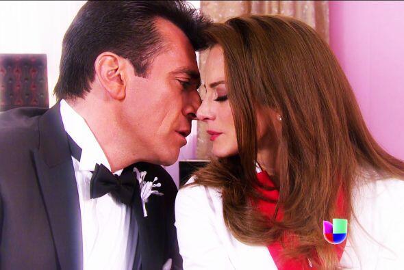 ¡Estuvieron a punto de besarse en el día de tu boda!