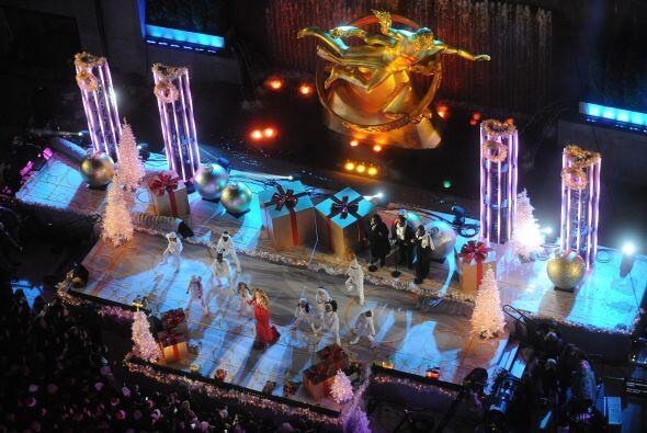 Mientras, otra estrella iluminaba la tierra, Mariah Carey en este espect...