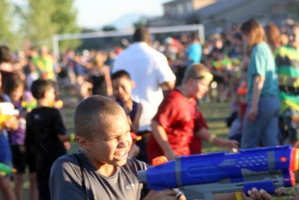 Adultos y niños disfrutaron el evento...