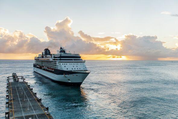 El tamaño. Los cruceros grandes pueden ser caóticos por el número de via...