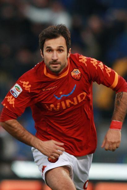 Mirko Vucinic también anotó para devolverle la victoria momentánea a los...