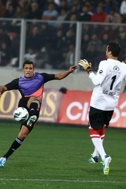 Alexis en un mano a mano con Julio César.