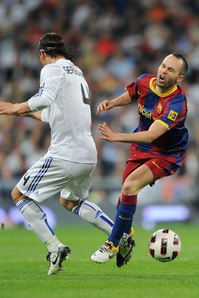 Andrés Iniesta estuvo escurridizo como siempre, aunque no pudo profundiz...