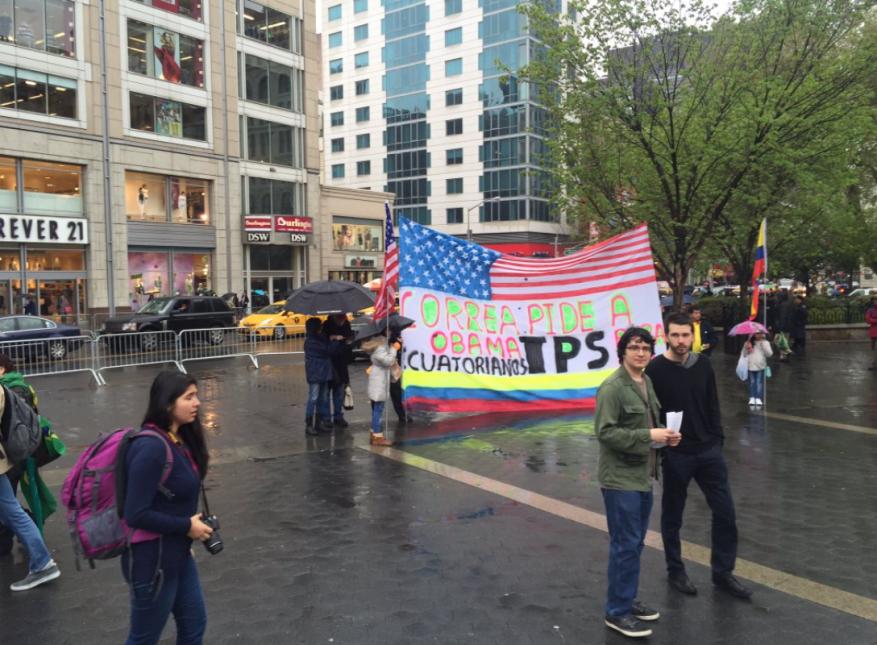 Solidarios con el pueblo ecuatoriano los trabajadores en NYC.