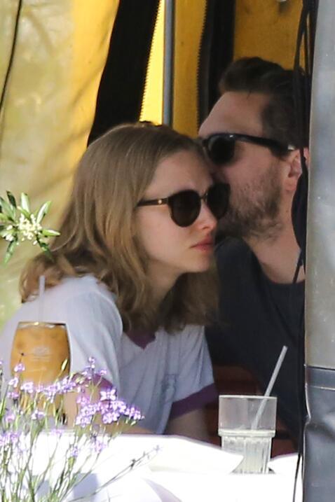 La actriz y su nuevo novio, Thomas Sadoski, ¡entre puros besotes!