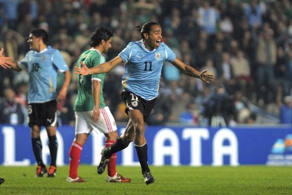 Y Uruguay, Campeón del certamen, lo venció por el mismo resultado. Méxic...