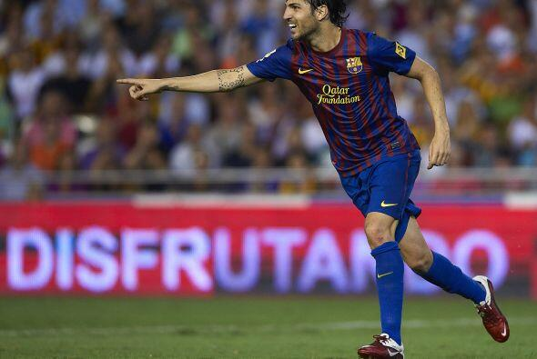 Y aunque Messi parecía desaparecido en el partido, volvió a mostrar su t...