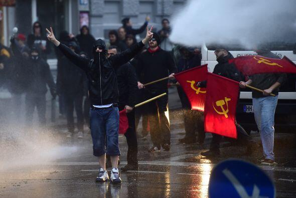 Los enfrentamientos no fueron ajenos a las protestas en Alemania con mot...
