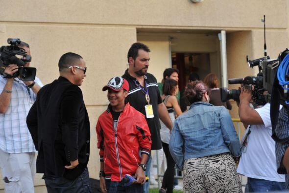 Antes de entrar al ensayo, Yankee se encontró con Miguelito.