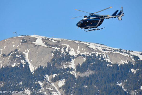 Las autoridades han prohibido el sobrevuelo de cualquier otra aeronave e...