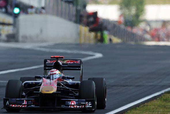 Webber se benefició de una sanción a Vettel y nunca volvió a soltar la p...