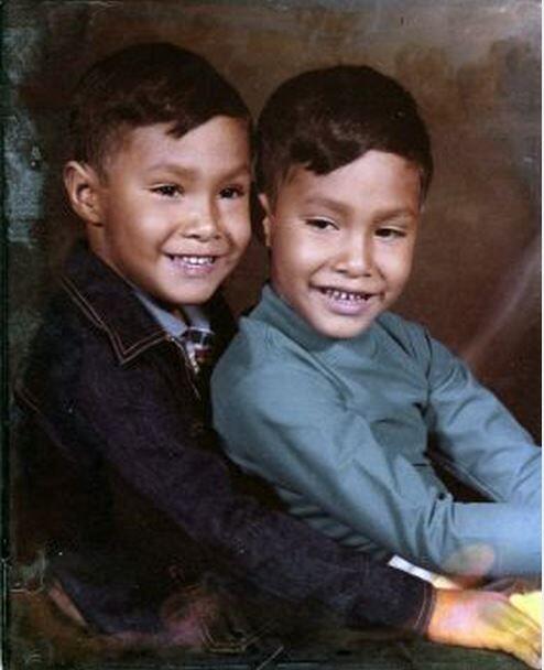Desde pequeños fueron muy alegres e inspirados a pesar de nacer en condi...